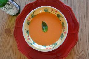 Creamy tomato and basilsoup